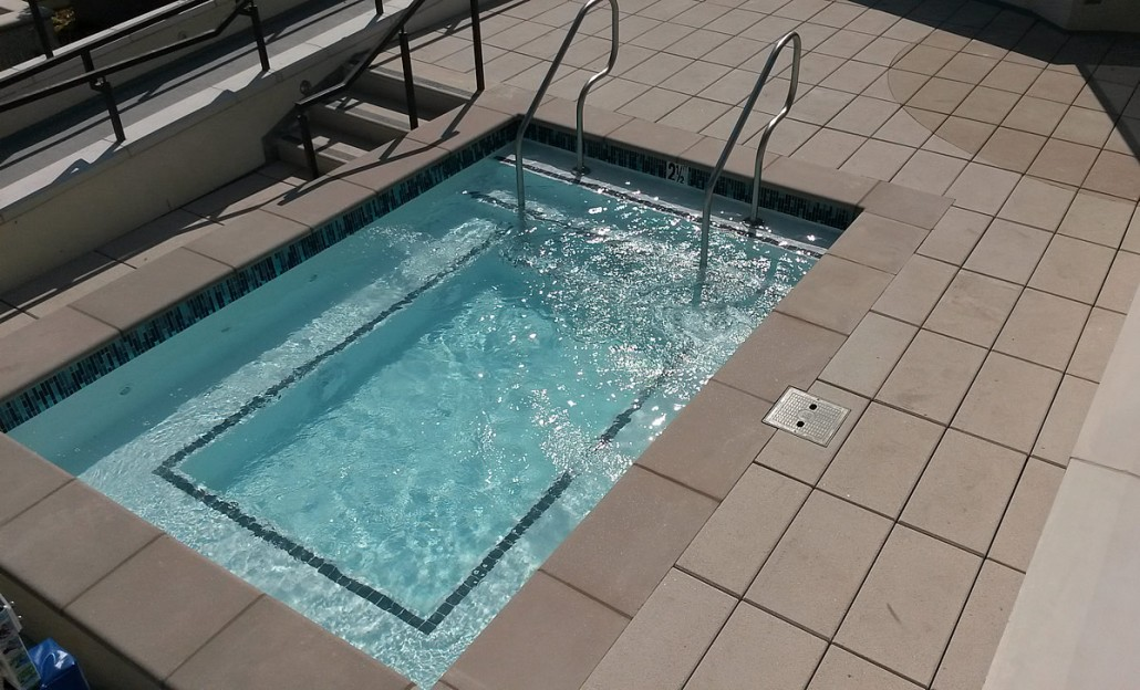 Case Study Gayley Rooftop Pool Los Angeles Stainless Aquatics Stainless Steel Pools And Spas